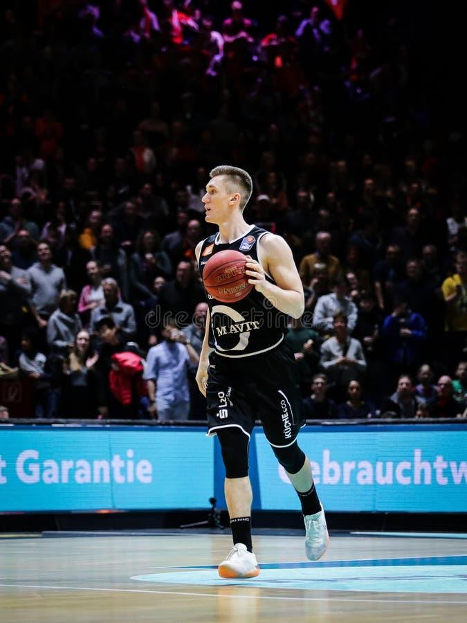 Thomas Joseph Bray pendant le basket-ball allemand Bundesliga photos stock
