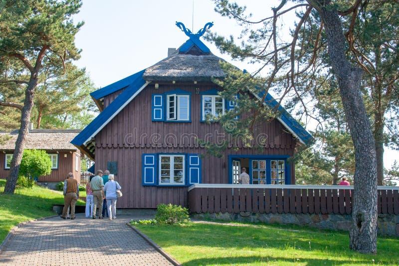 Thomas Mann-de zomerhuis, oud Litouws traditioneel blokhuis in Nida, Litouwen royalty-vrije stock foto