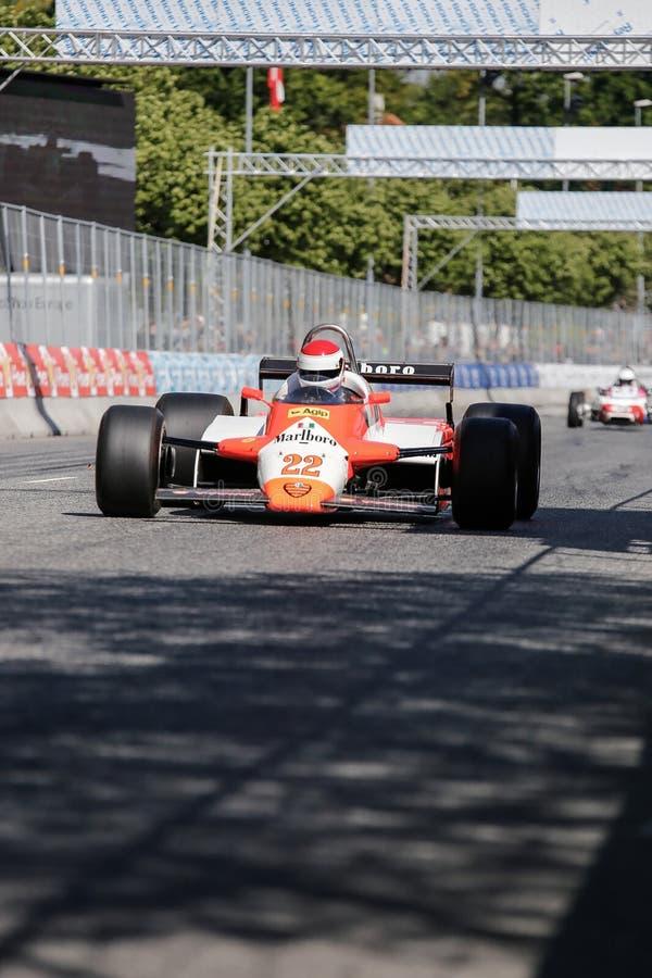 Thomas Steinke in Alfa Romeo 182B Formule 1 stock foto