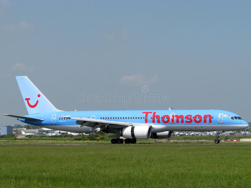Thomson Airlines Plane. Boeing 767 Thomson Airlines landing at London Luton airport stock photography