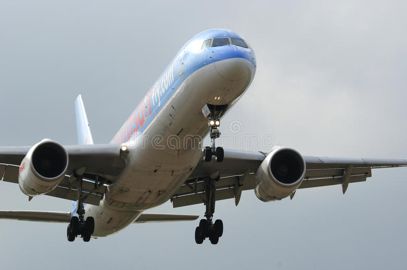 Thomson boeing 757. On it's final approach into Newcastle airport stock photo