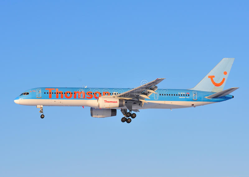Thomson Boeing 757. Landing at Newcastle Airport royalty free stock images