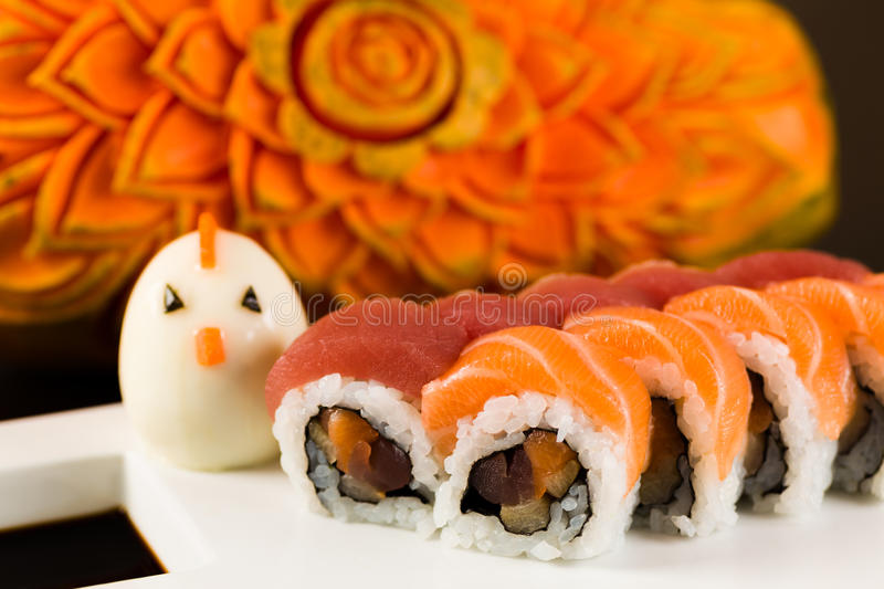 Thon et Salmon Roll images stock