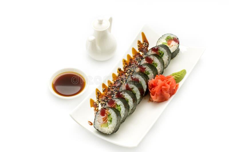 Thon et saumons de tempura de petit pain photographie stock libre de droits