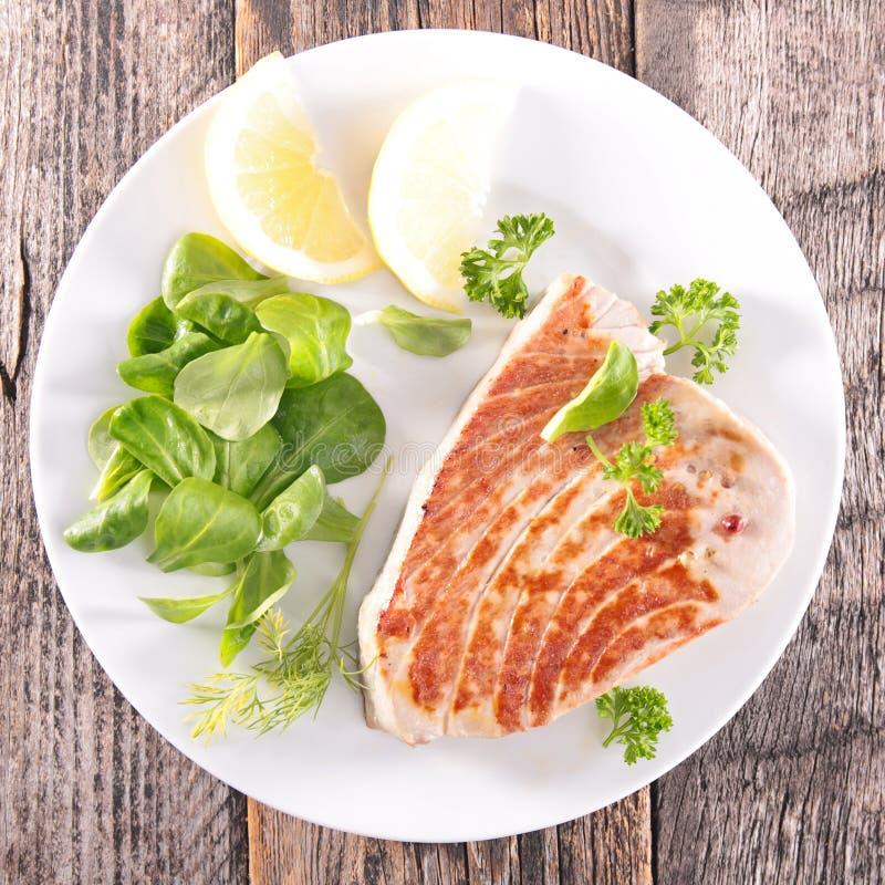 Thon grillé de poissons photo stock