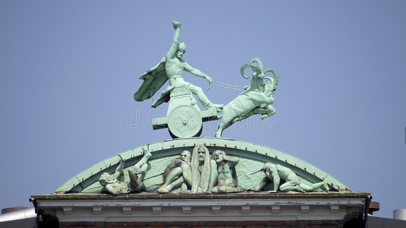 Thor και το σφυρί του στοκ φωτογραφία με δικαίωμα ελεύθερης χρήσης