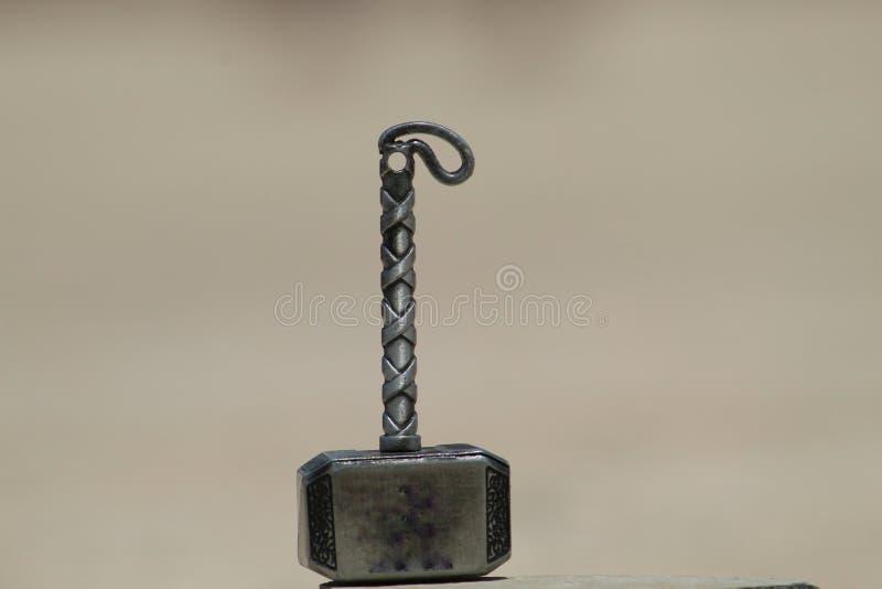 Thor Hammer para a micro fotografia imagens de stock royalty free