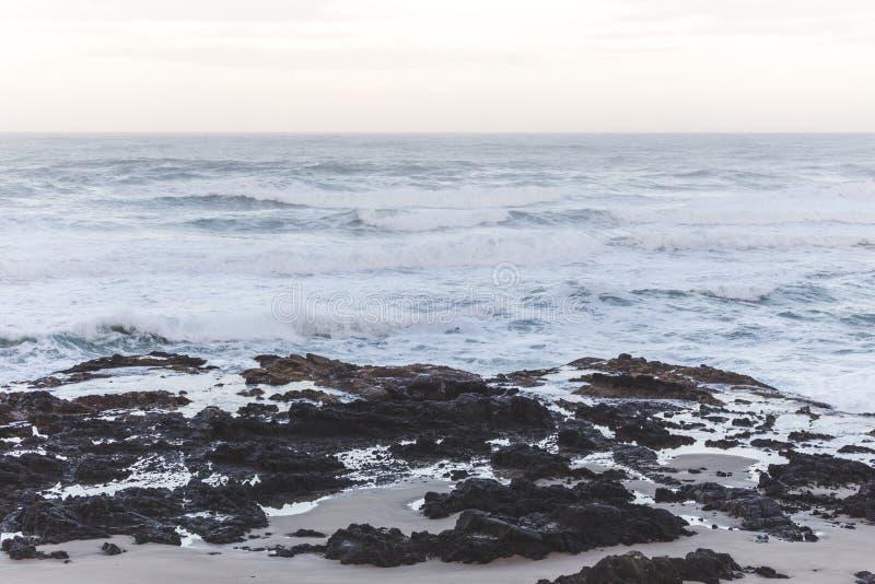 Thor& x27; s bem na costa de Oregon imagem de stock