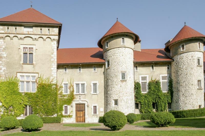 Thorens France 31-08-2007 Vieux château medielval de Thorens dans le Haute Savoie en France images libres de droits