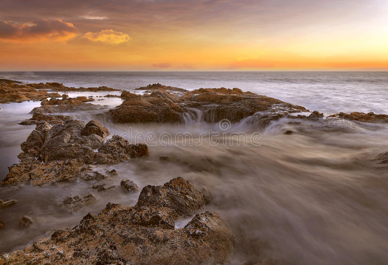Download Thors Bene Alla Costa Dell'Oregon Immagine Stock - Immagine di acqua, marea: 55356157