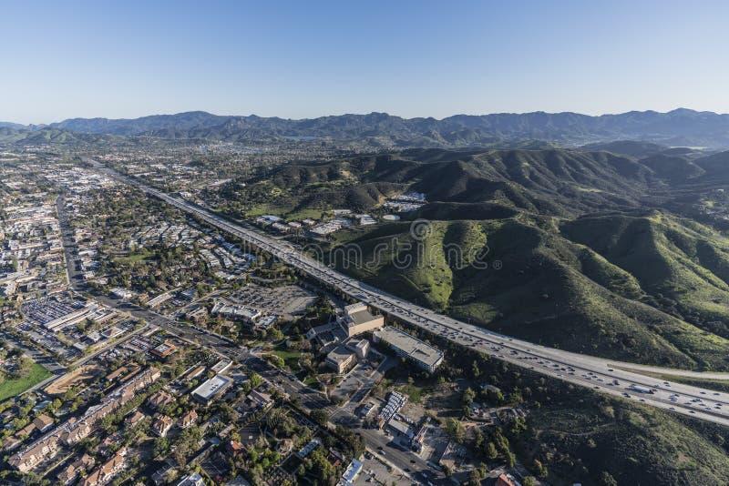 Thousand Oaks 101 motorväg flyg- sydliga Kalifornien royaltyfria foton