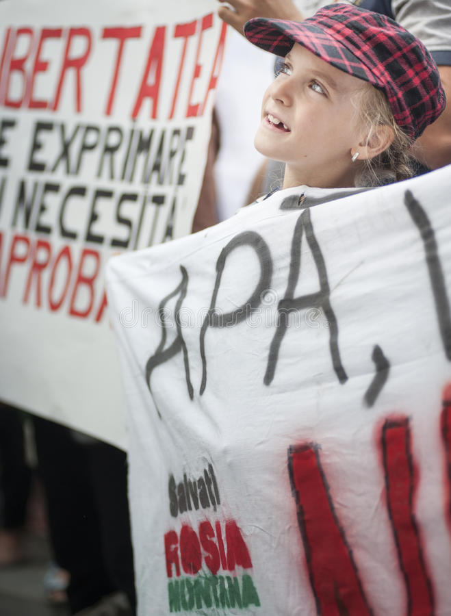 Download Thousands Rally In Romania Against Canadian-controlled Gold Mine On Bucharest Editorial Stock Image - Image: 33339594