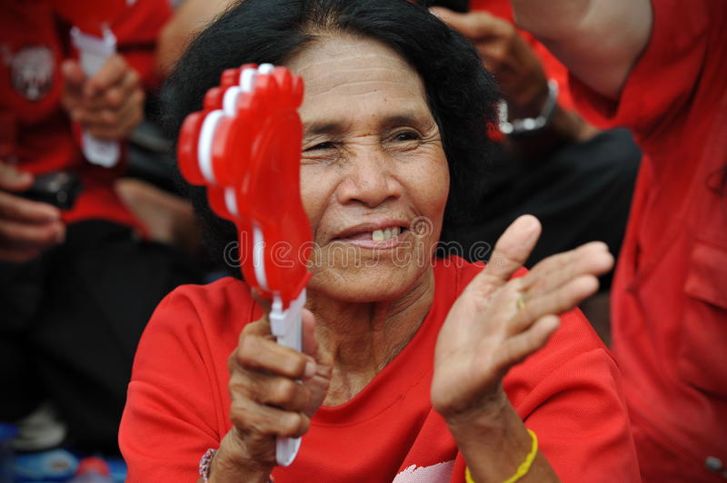 Download Thousands Of Red Shirts Protest In Bangkok Editorial Image - Image of clapping, judges: 31086205