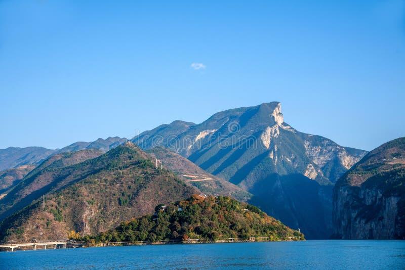 Three Gorges do desfiladeiro do Rio Yangtzé Qutangxia fotografia de stock
