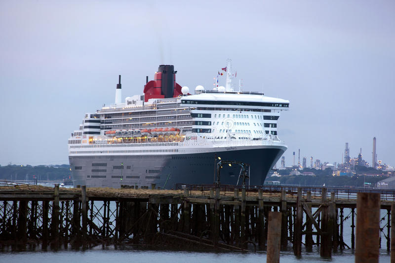 Download Three Queens Event 2 editorial stock image. Image of liner - 25136779