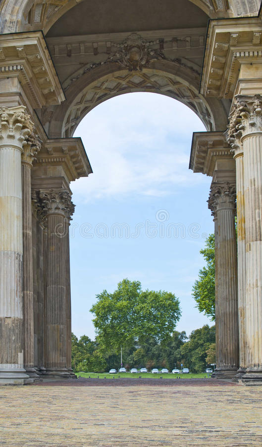 Thriumphal łuk przy Potsdam Nowym pałac, Berlin, Niemcy obrazy royalty free