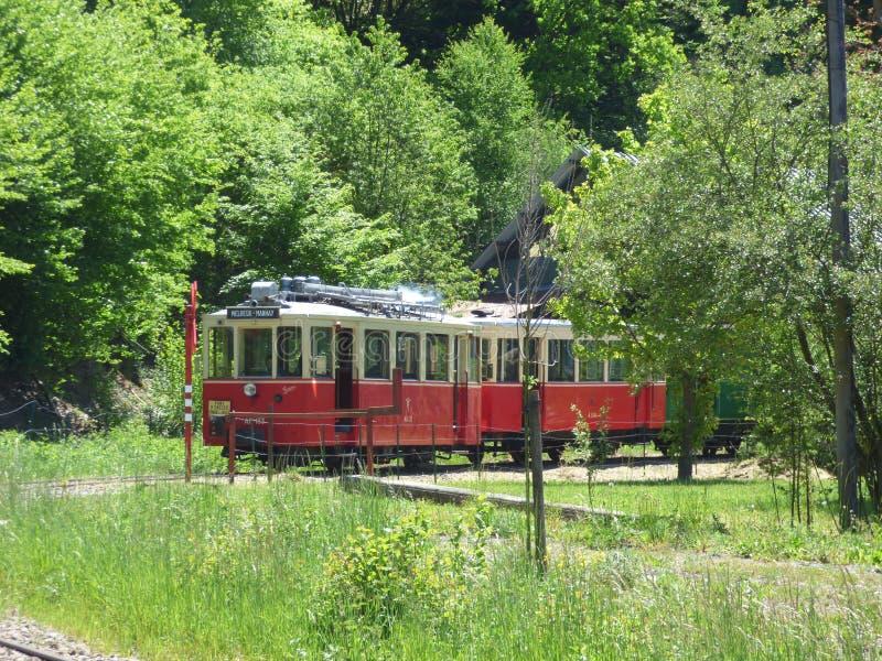 Thuin - 4 Juni: Het oude tramspoor van de erfenistram in Aisne Foto op 4 Juni, 2017, Aisne, België wordt genomen dat royalty-vrije stock afbeelding