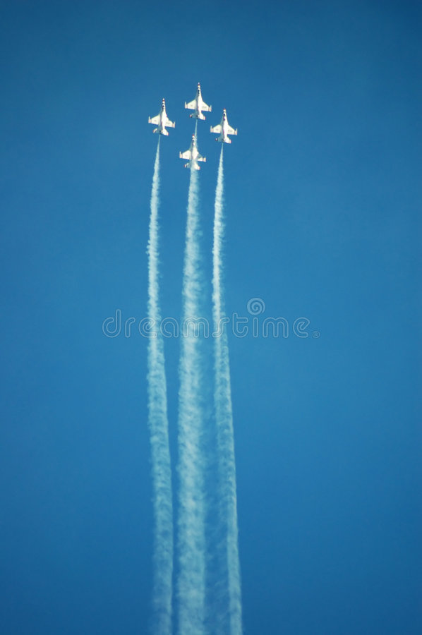 Thunderbirds de la fuerza aérea imágenes de archivo libres de regalías