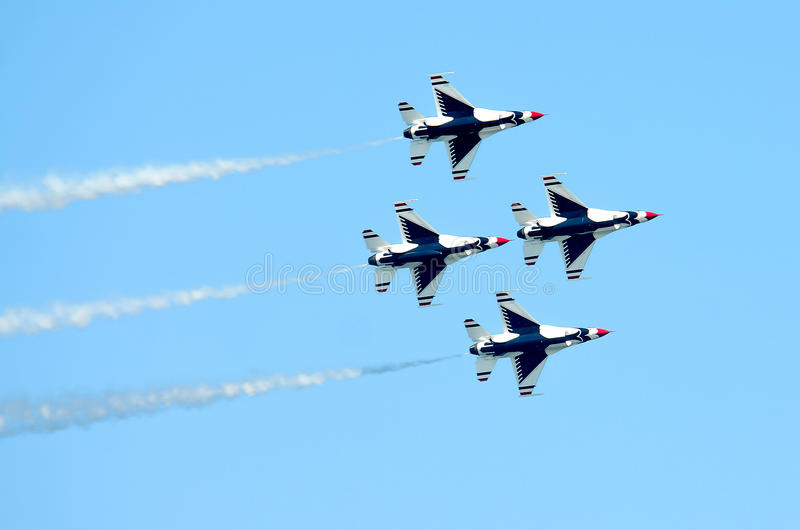 Thunderbirds Diamond Formation do U.S.A.F. imagem de stock