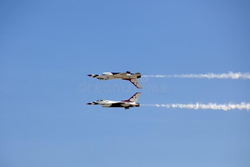 Thunderbirds för USA-flygvapen royaltyfri foto