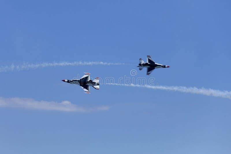 Thunderbirds för USA-flygvapen royaltyfri fotografi