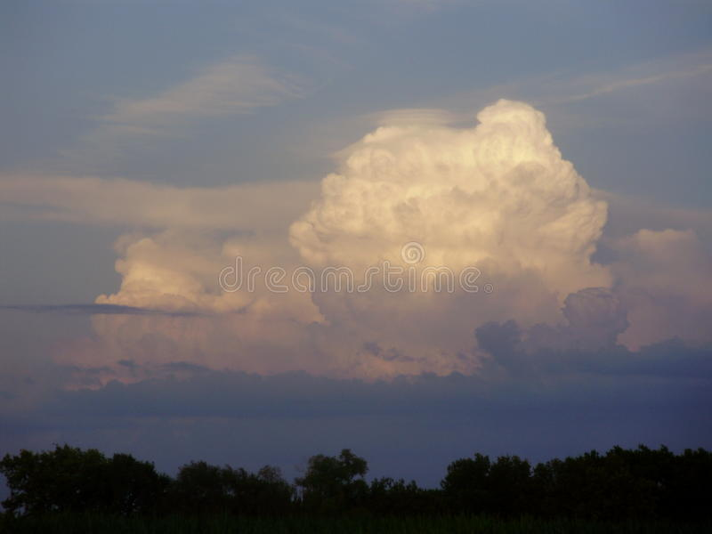 Download Thunderhead stock photo. Image of layered, white, outdoor - 37040992