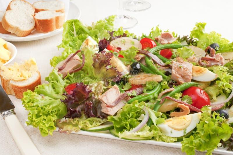 Thunfisch-Salat Nicoise stockfoto