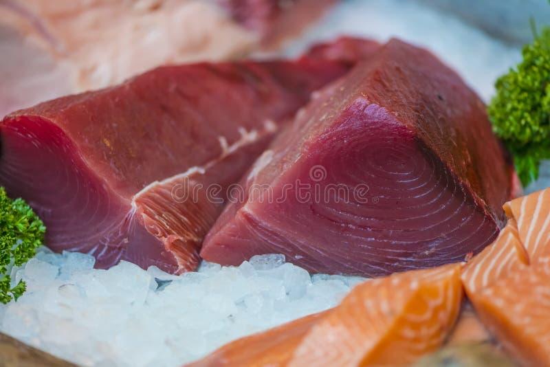 Thunfisch und Lachse seak lizenzfreie stockfotografie