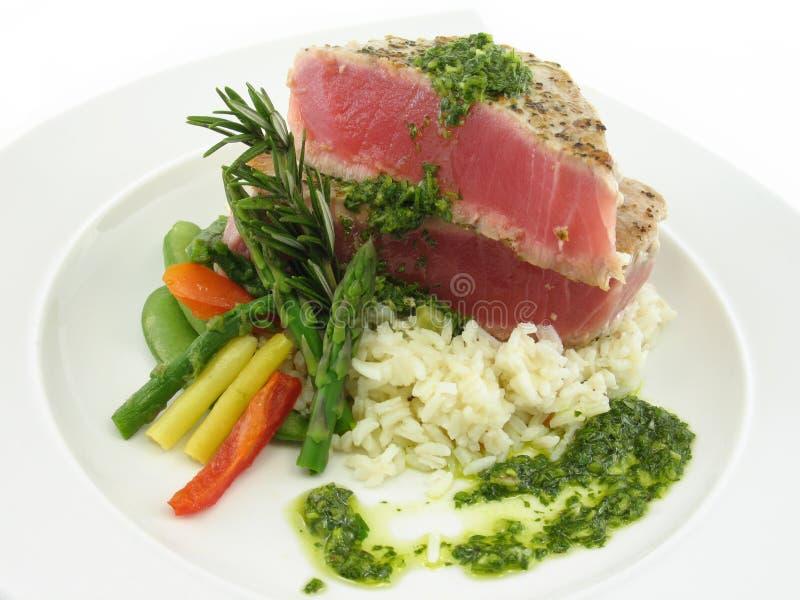 Thunfischsteak stockfotos