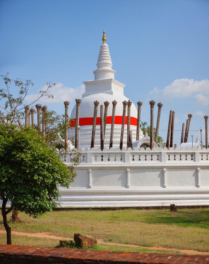 Thuparamaya白色圆顶在阿努拉德普勒 免版税库存照片