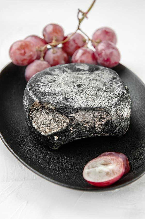 Thurgau è un formaggio svizzero a pasta dura dell'indennità con l'aroma del pane di cipolla Il formaggio è fatto nel cantone di T fotografia stock