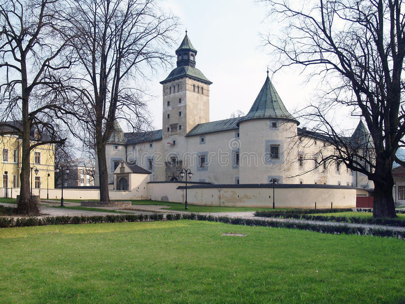 Thurzo Castle σε Bytca κατά τη διάρκεια της άνοιξη στοκ εικόνα με δικαίωμα ελεύθερης χρήσης