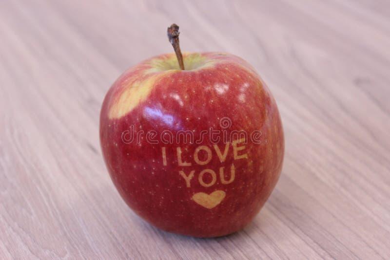 Ti amo mela, fondo di legno immagine stock libera da diritti