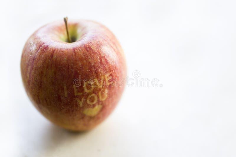 Ti amo titolo su una mela immagine stock