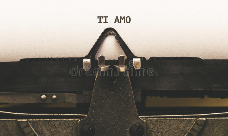 Ti amo, Włoski tekst dla Kocham Ciebie na rocznika typ pisarz od fotografia royalty free
