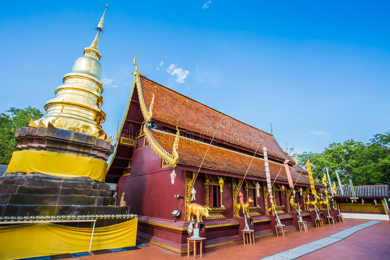 Ti di doi di Wat, Lumphun Tailandia fotografia stock