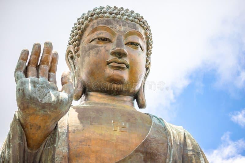 Tian Tan Buddha, Budda grande, Tian Tan Buddha enorme em Po L imagens de stock royalty free