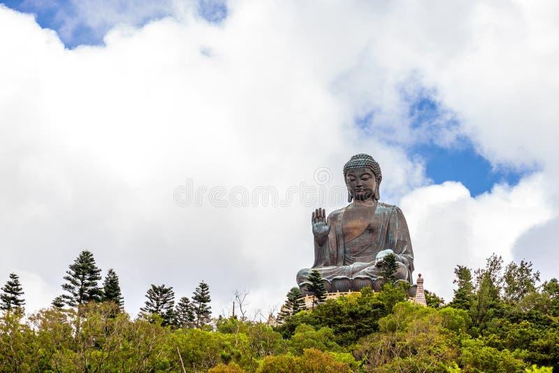 Tian Tan Buddha, Budda grande, Tian Tan Buddha enorme em Po L foto de stock