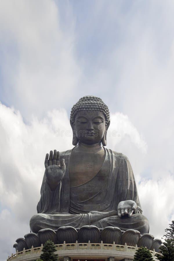 Tian Tan Buddha Sitting en Lotus Throne Closeup fotografía de archivo