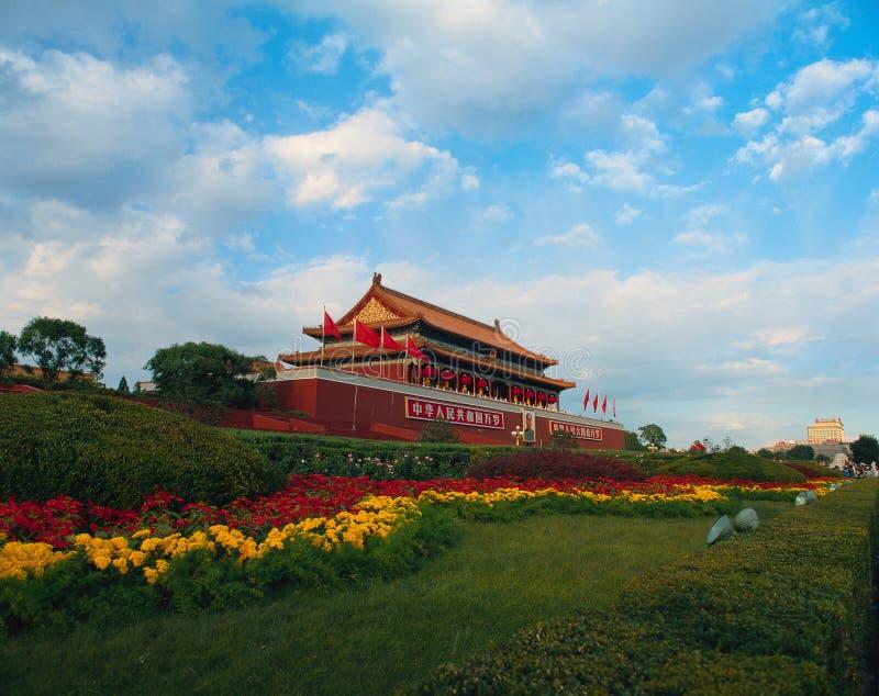 Tiananmen-Torstand hoch stockfotos