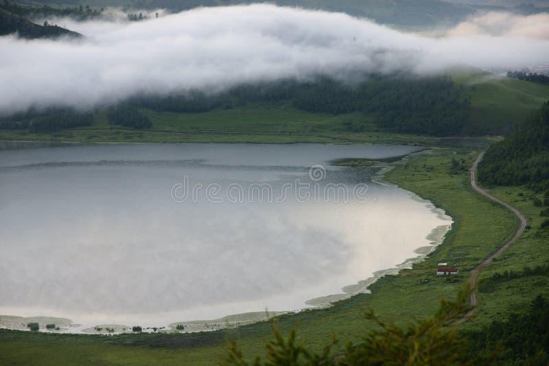 Tianchi met mist stock afbeeldingen