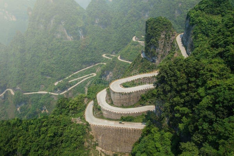 Tianmen Shan Big Gate Road bij Tianmen-Berg stock fotografie