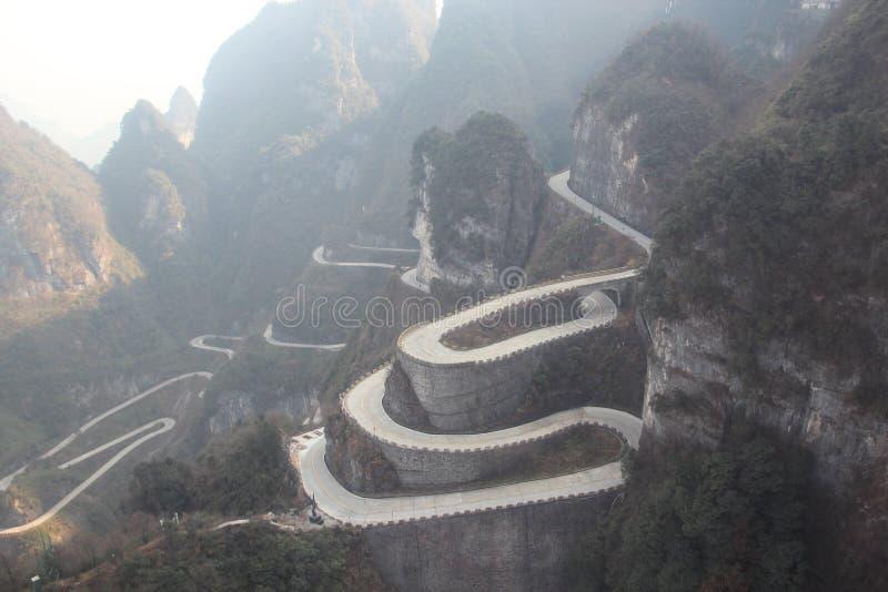 Tianmen väg Zhangjiajie - Kina royaltyfri foto