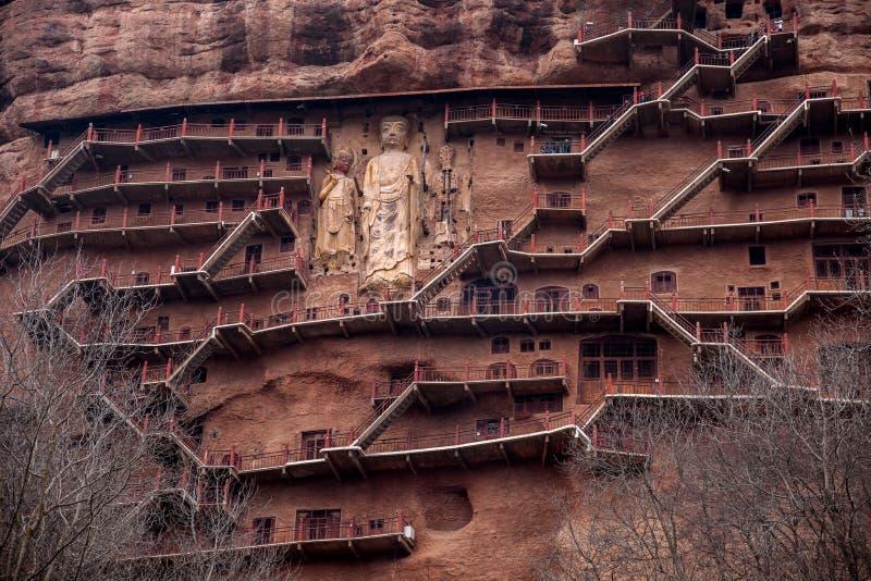 Tianshui Maijishan kloster och grottor royaltyfria bilder