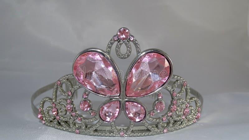 Tiara con las gemas rosadas imagenes de archivo