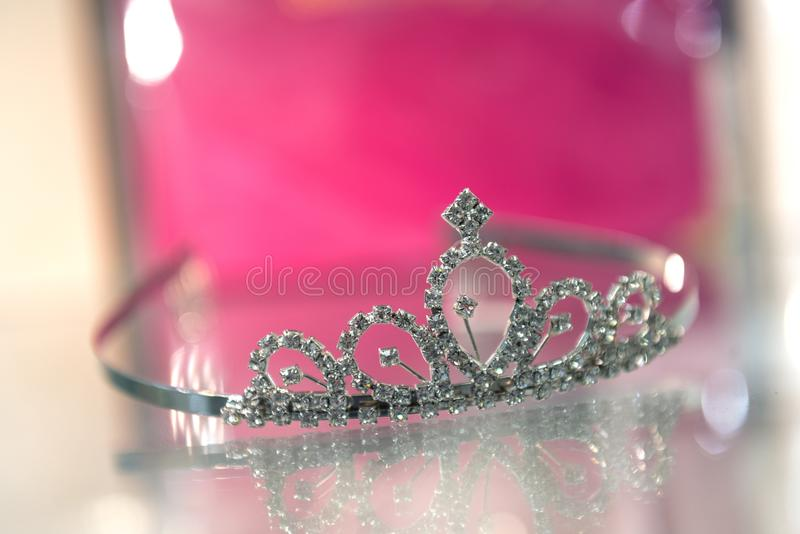 Tiara på exponeringsglas royaltyfria bilder