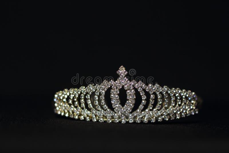 Tiarahuwelijk royalty-vrije stock afbeeldingen