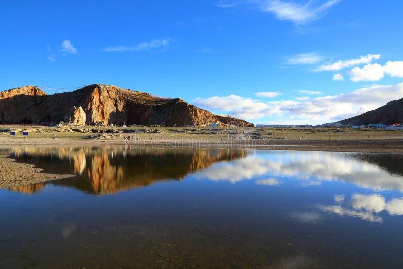 Tibet - a beleza da natureza do lago Namtso fotos de stock royalty free