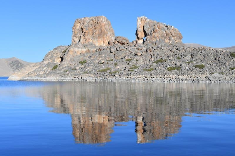Tibet helig sj? Nam-Tso Nam Tso i sommar, 4718 meter ovanf?r havsniv? placera str?m royaltyfri fotografi