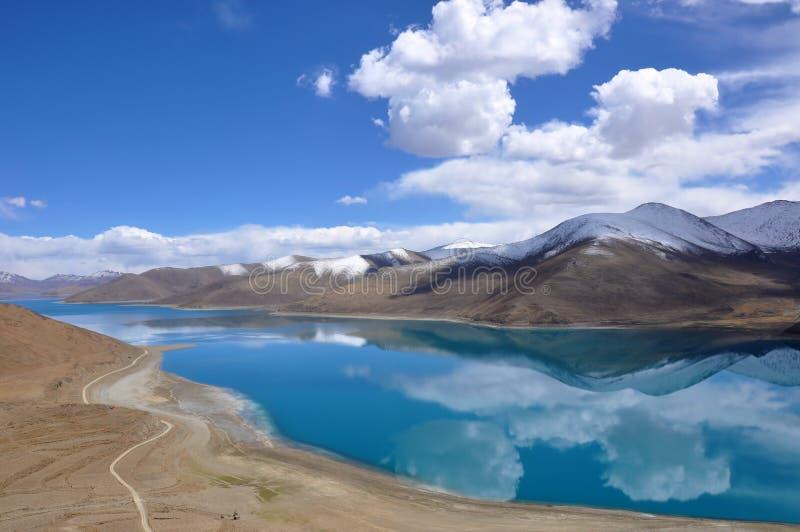 Tibet lake royaltyfri fotografi